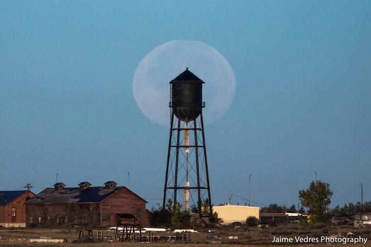 Lethbridge, Full Moon, Mine, Jaime Vedres Photo